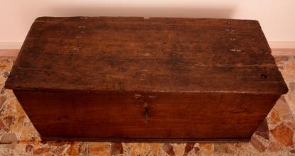 Solid chestnut chestnut, craftsmanship, Cilento, Southern Italy, 19th century